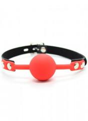 Gag Ball Rossa con Cintura in Ecopelle e Borchie Chiudibile con Lucchetto