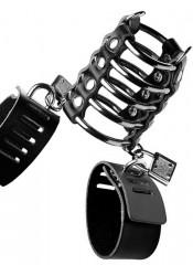 Cintura di castità a 5 anelli in metallo con strizza testicoli in cuoio